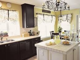 image of what are good kitchen colors with white cabinets