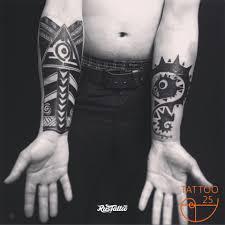 фото татуировки перекрытие в стиле орнаментал татуировки на руке