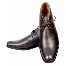 crescent genuine leather chukka boots brown