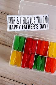 20+ DIY Father's Day Gift Ideas - lots of awesome DIY projects and  printables that