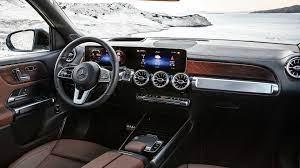 Der wagen legt den akzent aufs raumangebot und bietet bis zu sieben sitze. 2020 Mercedes Benz Glb Is A Seven Seater Arriving Later This Year Carscoops
