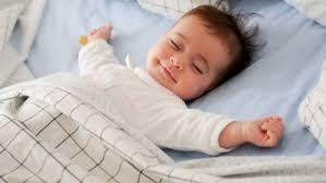 Nên và không nên để con có giấc ngủ an toàn - MarryBaby