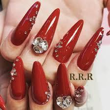 冬バレンタインハンドシンプルビジュー Beautyroom Rrrのネイル