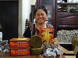 Latar belakang bisnis kue keranjang ny.lauw : Manisnya Bisnis Kue Keranjang Ny Lauw Jelang Imlek