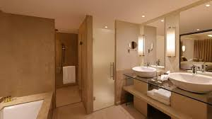 doubletree by hilton hotel agra india presidential suite bathroom