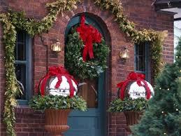 Idee Per Abbellire Il Giardino : Balconi natalizi idee e spunti per renderli perfetti insieme a