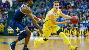Casey Benson announces he will leave Oregon basketball program
