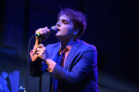 gerard way brings touch of glam to nyc
