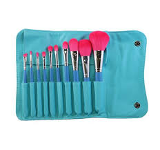 a 10 piece vegan brush set these brushes are great for any type of liquid or cream application but can also be used on powder s for a flawless