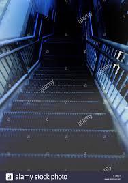 Die mittel des bildlichen ausdrucks sind für die ''kunst des treffens'' von großer bedeutung. Eiserne Treppe Stockfotos Und Bilder Kaufen Alamy