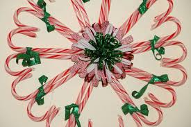Christmas Decorations Using Candy Canes 60 Cool Candy Cane Wreath Ideas Guide Patterns 23