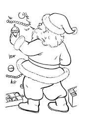 Kerstman Tuigt De Kerstboom Op Kleurplaat Gratis Kleurplaten Printen