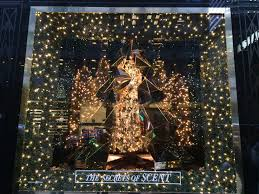 Best Christmas Window Lights Nycs Best 2015 Holiday Window Displays On Location Tours