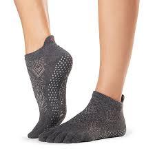 Toesox Full Toe Grip Low Rise Grip Socks Yoga