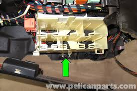 2004 bmw 330ci fuse box diagram wiring library bmw e46 fuel pump testing 325i 2001 2005 325xi large