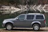 Nissan-Pathfinder-(2010)