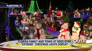 Plantation Christmas Lights How Big Is Too Big Cops Battle Family Over Extreme