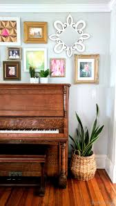 Gallery wall tips and styling around a piano {Reality Daydream}