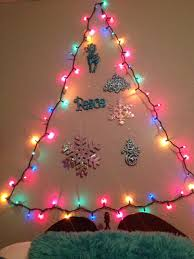How To Hang Christmas Lights Up In Your Room For A Cute Little Way To Dress Up Your Room For Christmas