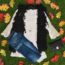 """The perfect tunic to pair with jeans or leggings! """"In Angel Fields"""" tunic  JUST $28! #shop #blackberryboutiqu… 