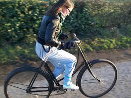 girk riding cruiser bike