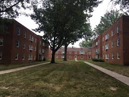 parkside gardens apartments in euclid