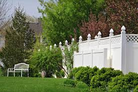 Delighful Vinyl Privacy Fence Ideas A Tall Woodlook And