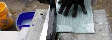 how to cut with a wetsaw about glass tile