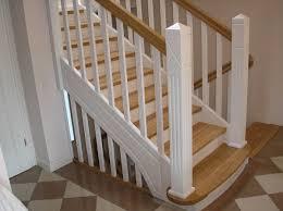 Die preise für treppen hängen von der konstruktionsart ab. Montagebau Karstens Gunstige Holztreppe Lubeck Weisse Treppen