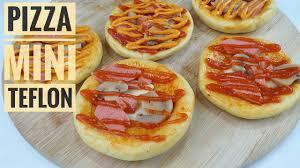 Pizza teflon empuk pizza teflon yg enak mantap ga kalah sama pizza yg dipanggang! Cara Membuat Pizza Mini Teflon Vs Oven Dan Simpan Stok Pizza Di Freezer Youtube