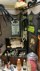 Office decorative Executive Nightmarish Cafe Decorative Items With Large Black Spiders Pinterest 55 Best Halloween Cubicle Ideas Worth Replicating At Your Office