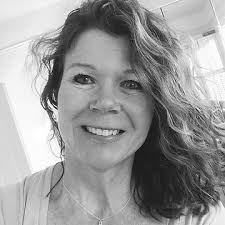 About me | Amanda Beadle - B e d e a u X