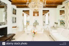 Kronleuchter Im Wohnzimmer Luxus Stockfoto Bild 69627048