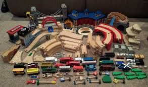 148 piece lot thomas wooden train tracks bridges trains toys r us learning curve