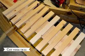 how to make a wooden doormat from 1x2 boards littleredbrickhouse com