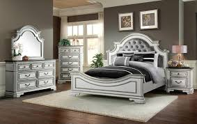 Leighton Manor Antique White Queen Bedroom Set | Unclaimed Freight ...
