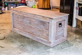 Diy Wooden Box Designs How To Build An Easy Diy Bedroom Storage Chest For Blankets