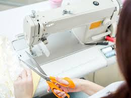 How To Choose A Sewing Machine Uk