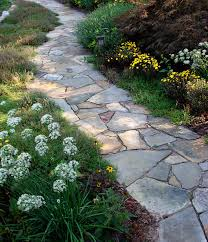 Hammerhead Stoneworks specializes in designing and building flagstone paths  and patios.