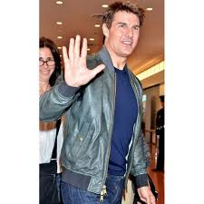 promoting oblivion tom cruise green leather jacket in japan zoom promoting