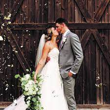 Living In COVID: The Challenges Of Getting Married During The Pandemic -  Osprey Observer