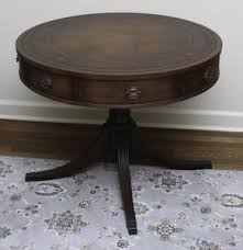 See more ideas about coffee table, furniture, duncan phyfe. Lot Art Vintage Duncan Phyfe Style Mahogany Pedestal Side Table
