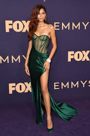 Emmy Design Clothing The Sexiest Dresses At The Emmys 2019 Popsugar Fashion
