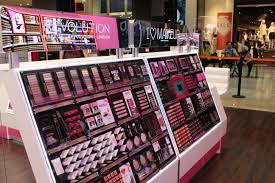 ผลการค้นหารูปภาพสำหรับ makeup revolution
