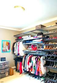 how to get rid of musty smell in closet
