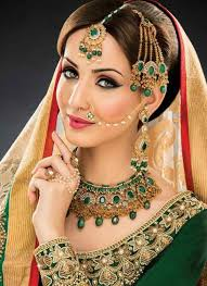 14 cute mehndi makeup styles and ideas003