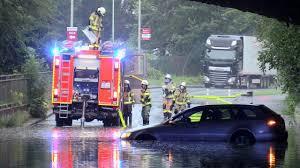 2,641 likes · 1 talking about this. Starkregen Hagel Gewitter Unwetter In Nrw Feuerwehr Im Dauereinsatz Dusseldorf Bild De