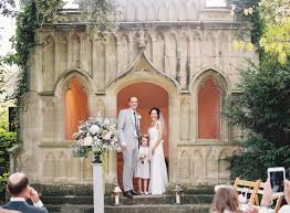 outdoor wedding at barnsley house cotswolds