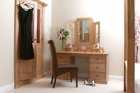 dressing table accessories india rooms tables how to make from pallets diy corner small makeup vanity