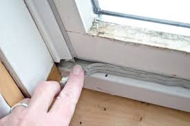 how to caulk outside windows with a